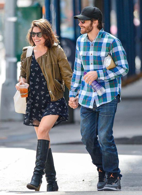 Gyllenhaal na romantycznym spacerze (FOTO)