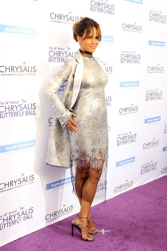 Przez tę sukienkę Gosi Baczyńskiej Halle Berry trafiła na języki