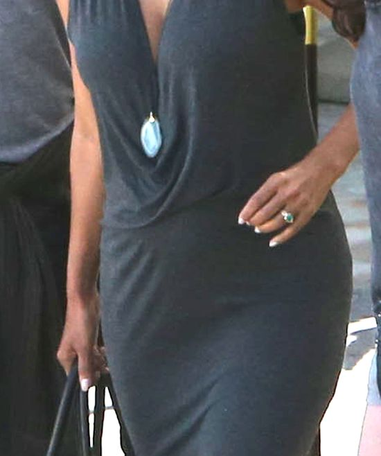 Ciężarna Halle Berry promienieje (FOTO)
