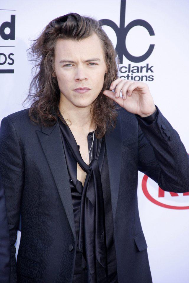 Tu zobaczycie, jak wygląda Harry Styles w KRÓTKICH włosach