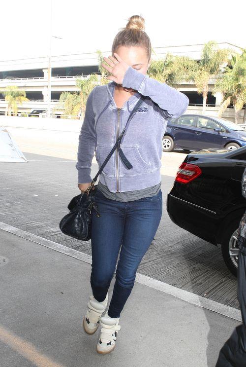 Hayden Panettiere wstydzi się pokazać bez makijażu? (FOTO)