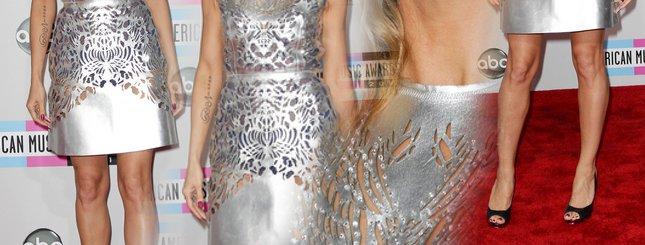 Sukienka jak wycinanka – kogo podejrzewacie? (FOTO)