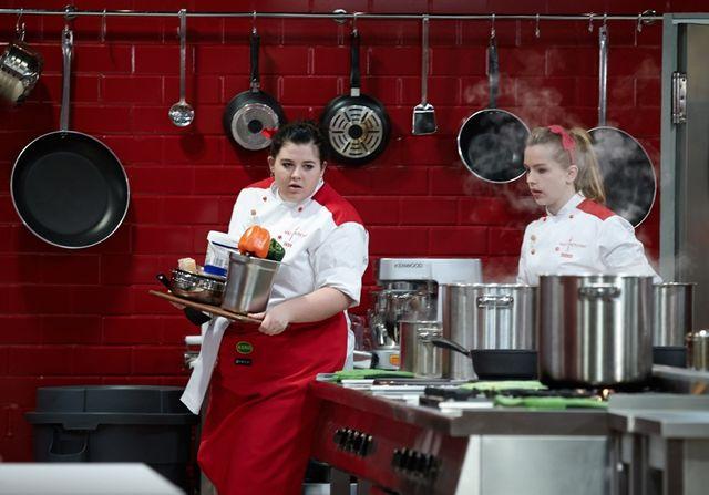 Puszysta uczestniczka Hell's Kitchen w bardzo odważnej sesji