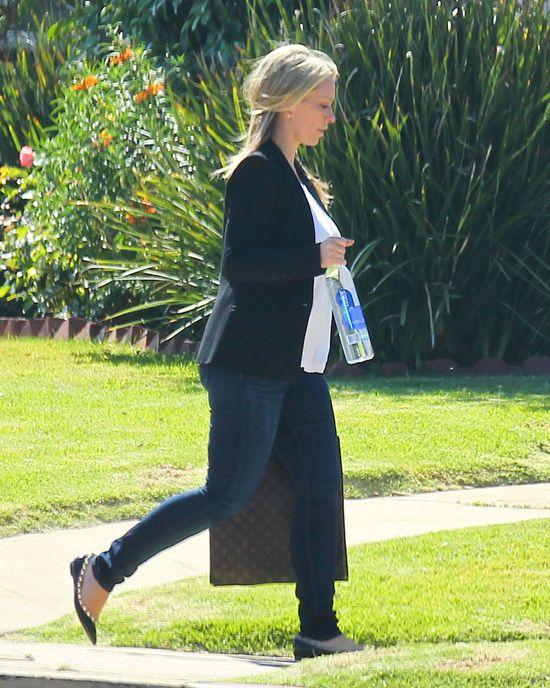 Jennifer Love Hewitt nie odzyskała figury sprzed ciąży(FOTO)