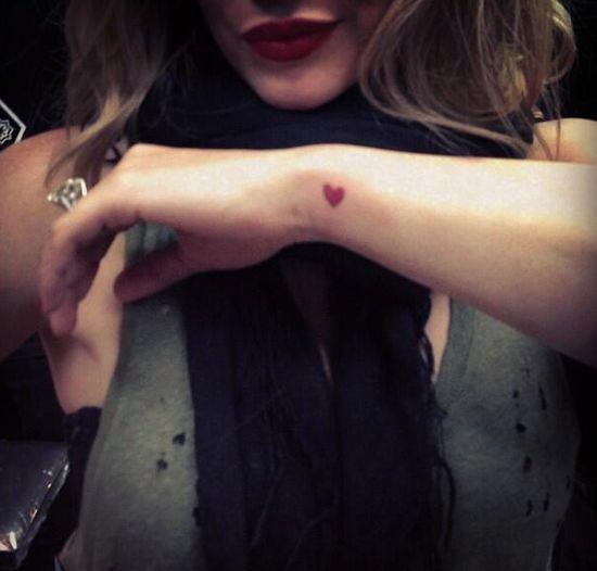 Która gwiazda zafundowała sobie dwa nowe tatuaże?