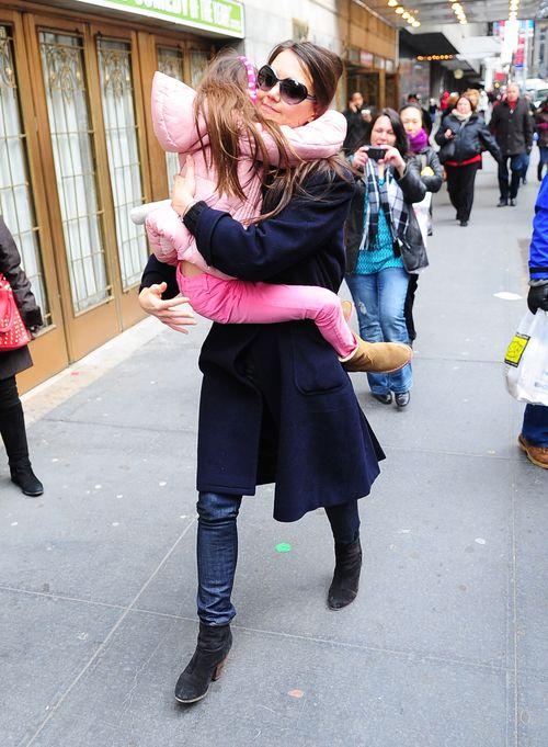 Katie Holmes zabiera Suri do teatru