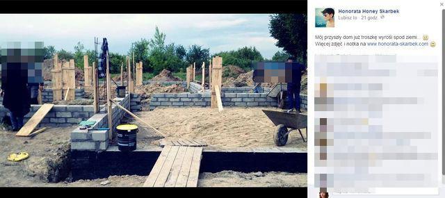 Honey chwali się budową domu (FOTO)