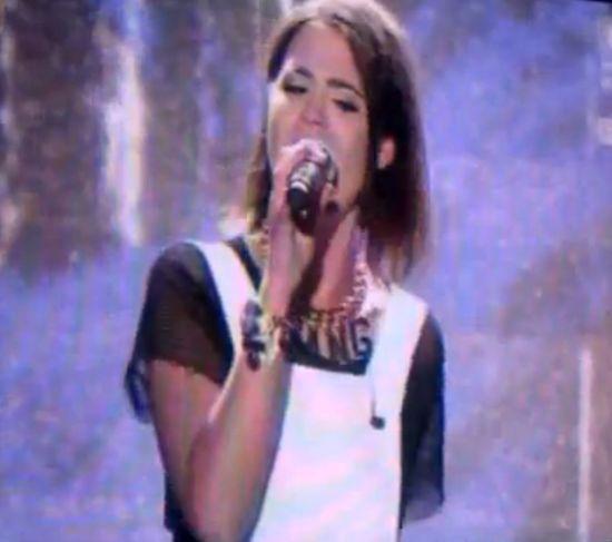 Honey zaliczyła wpadkę podczas występu na żywo (VIDEO)