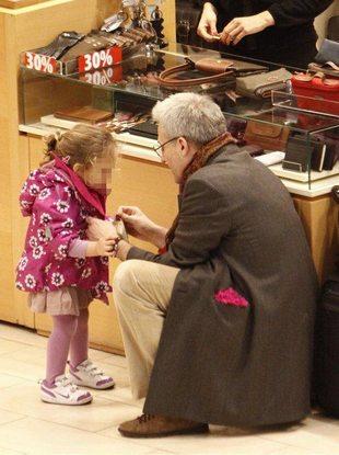 Jak córeczka Urbańskiego umilała mu zakupy (FOTO)