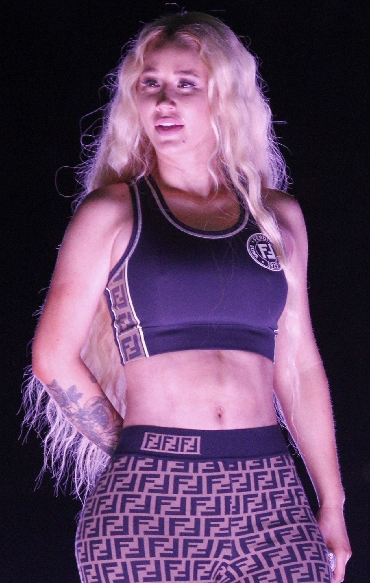 Fani WŚCIEKLI na Iggy Azaleę - nie pomogła tancerce z atakiem padaczki