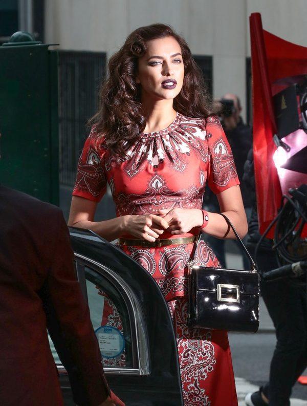 3 PROSTE sposoby Iriny Shayk na piękną cerę (FOTO)