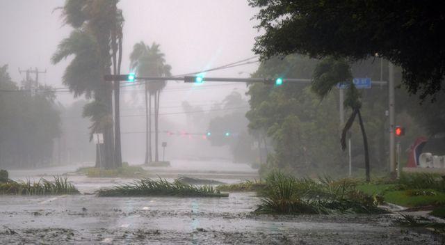 Tak wygląda Miami targane huraganem Irma (ZDJĘCIA)
