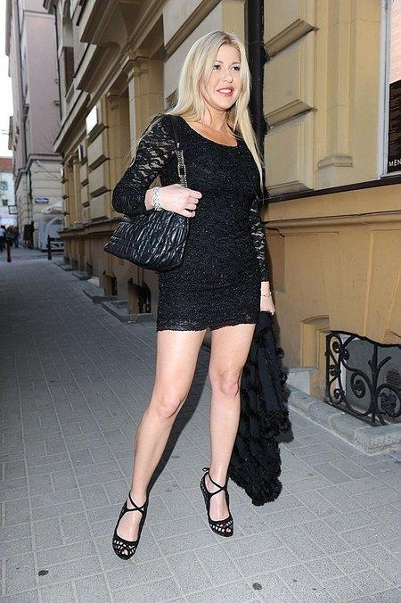 Iwona Węgrowska jest platynową blondynką (FOTO)
