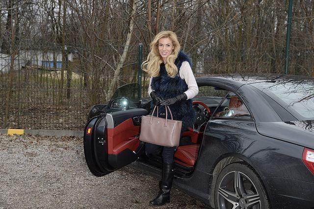 Iza Janachowska - szczuplutka, ale auto ma wypasione (FOTO)