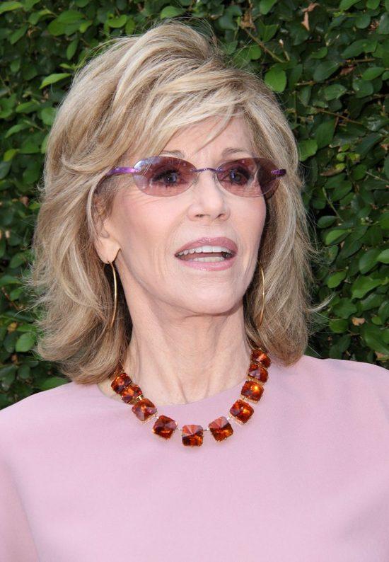 77-letnia Jane Fonda popala trawkę