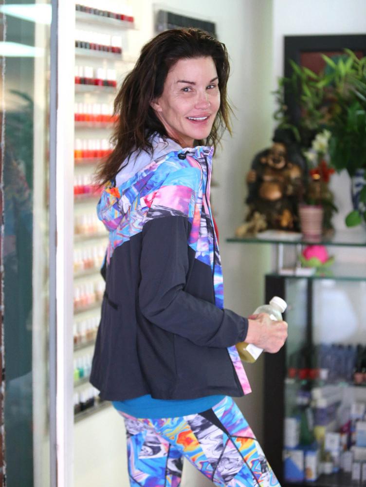 Janice Dickinson flirtuje z paparazzi (FOTO)
