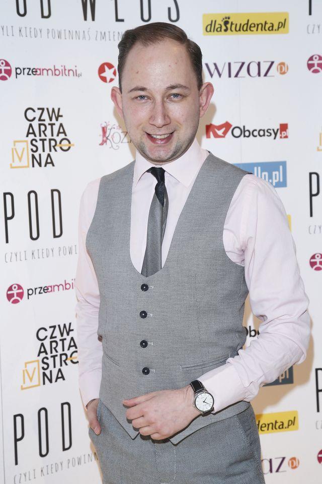 26-letni polski aktor ma problem - traci włosy (ZDJĘCIA)
