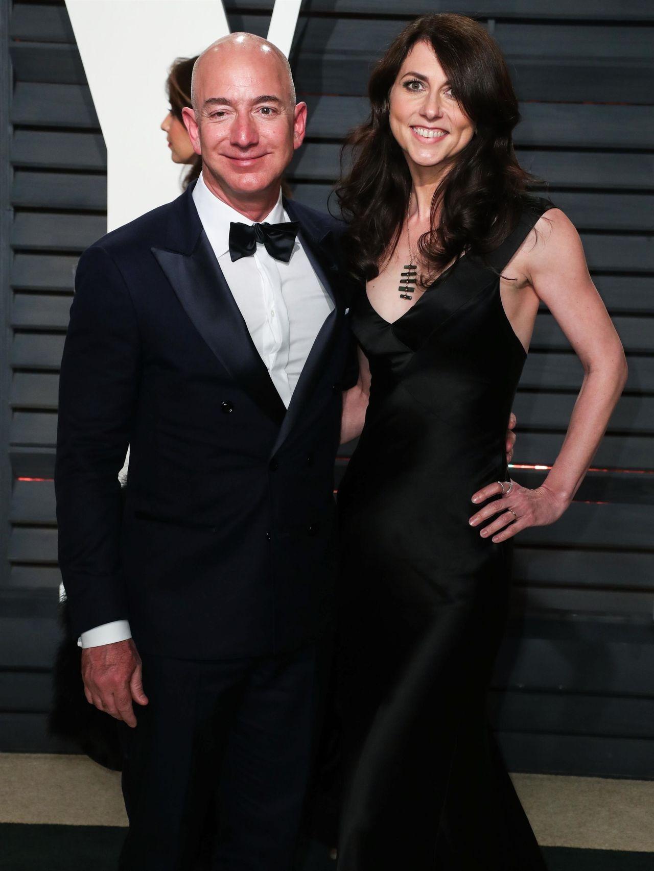 Jeff Bezos miał romans z Lauren Sanchez 9 miesięcy przed separacją z żoną