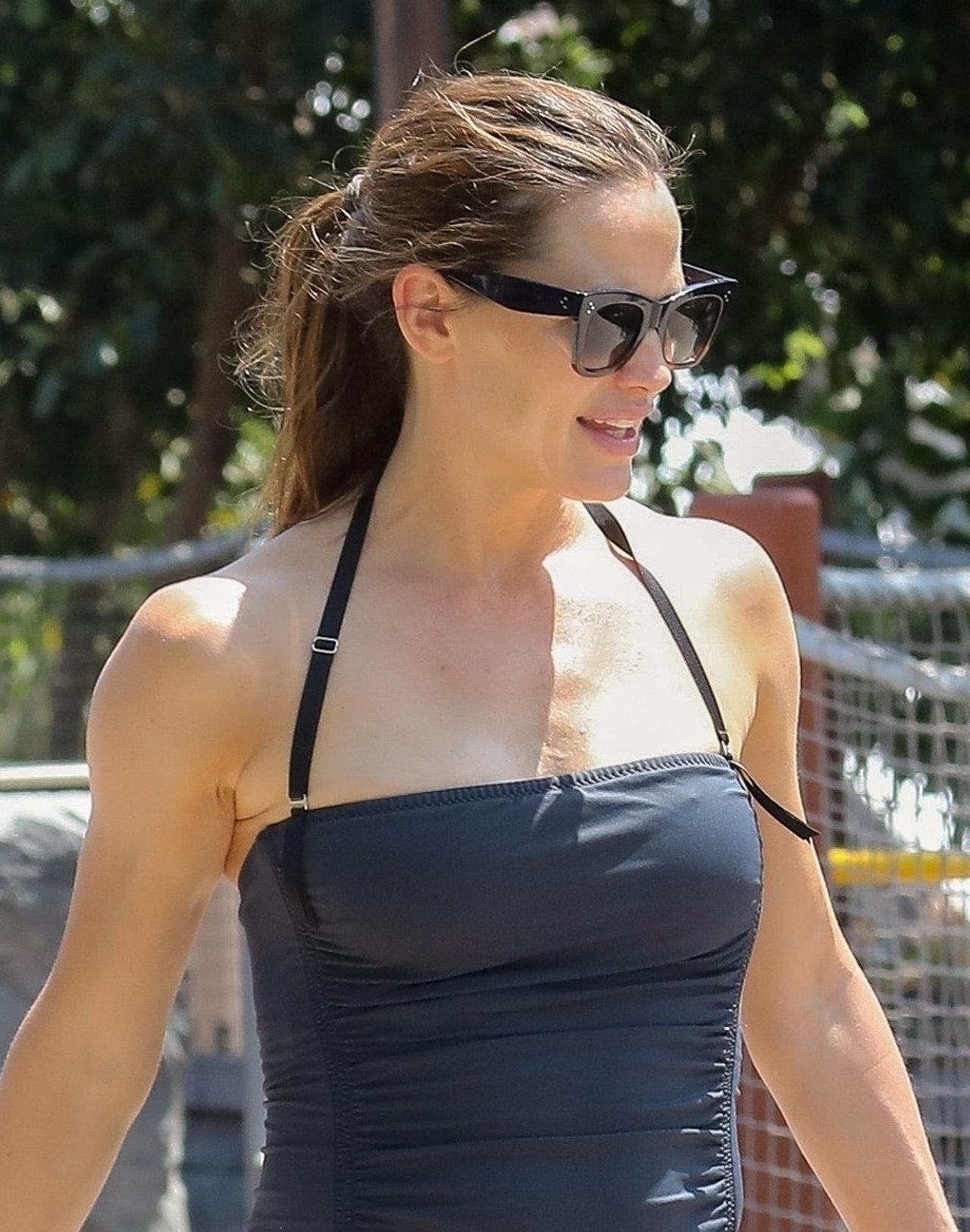 Jennifer Garner w stroju kąpielowym (ZDJĘCIA)