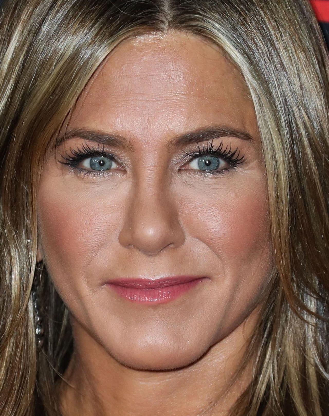 Jennifer Aniston bez zmarszczek, a za dwa miesiące 50 urodziny! (ZDJĘCIA)