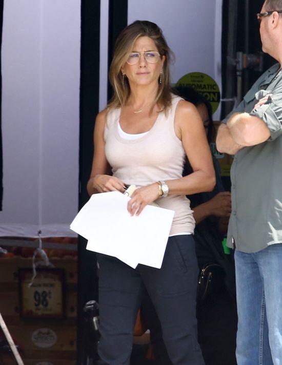Paparazzo zapyta� Jennifer Aniston o adopcj�