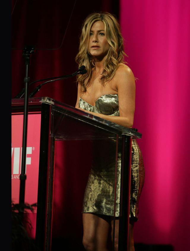 Ekspert mowy ciała interpretuje zachowanie Angie podczas przemówienia Jennifer
