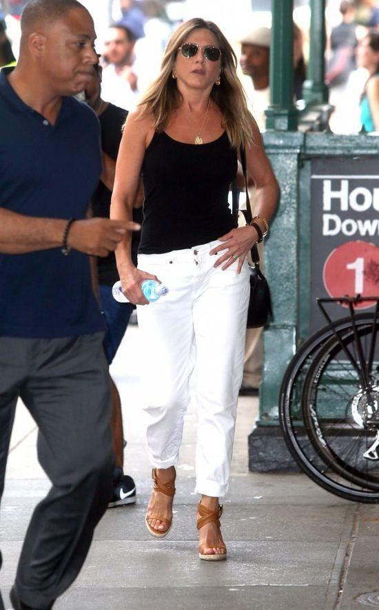 Mamy nowe zdj�cia Jennifer Aniston. Narobi�y w sieci sporo zamieszania
