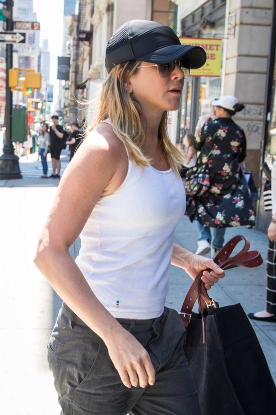 Jennifer Aniston pokazała ciążowy brzuszek? (FOTO)