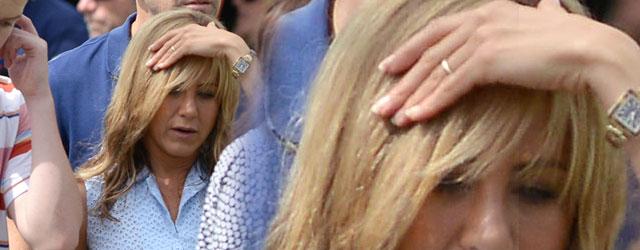 Jennifer Aniston pokazała pierścionek zaręczynowy! (FOTO)