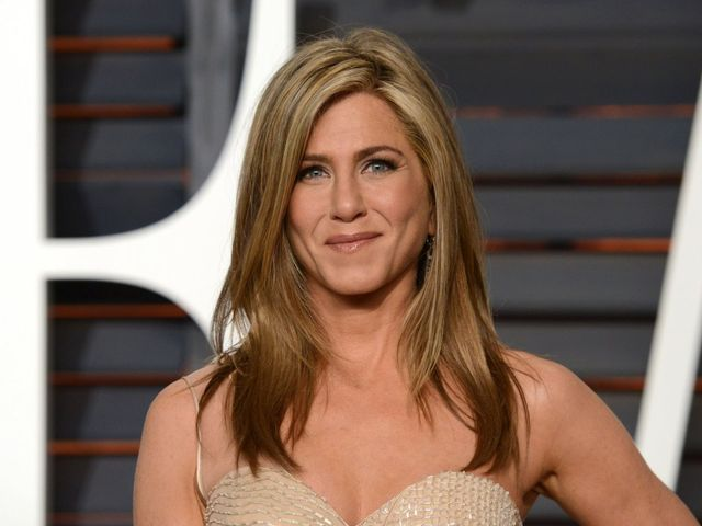 Nie zgadniesz, czym Jennifer Aniston stylizuje włosy