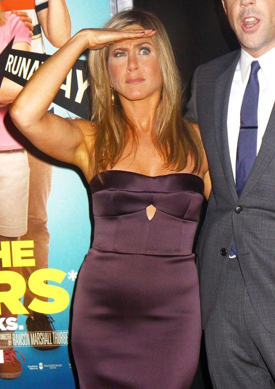 Co powiecie na Jennifer Aniston na ślubie Angeliny Jolie?