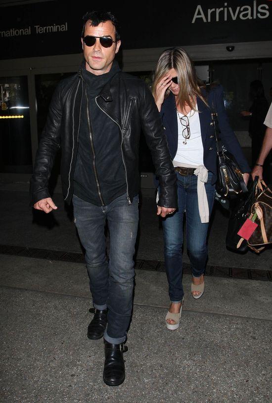 Jak wygląda pierścionek zaręczynowy Jennifer Aniston?