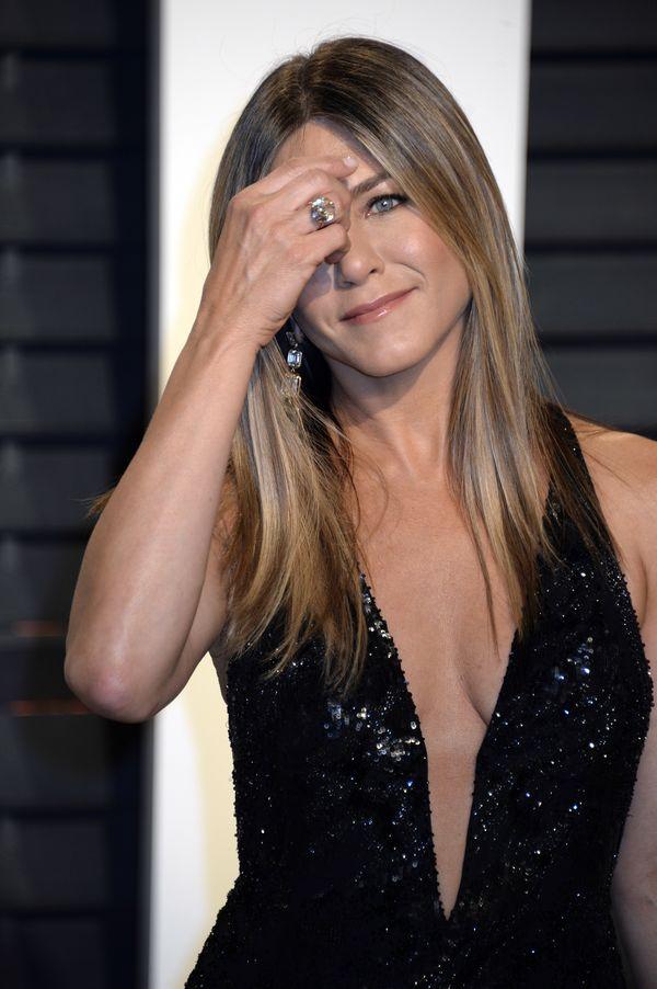 Jennifer Aniston ma problem. Na wagę wchodzi 5 razy dziennie