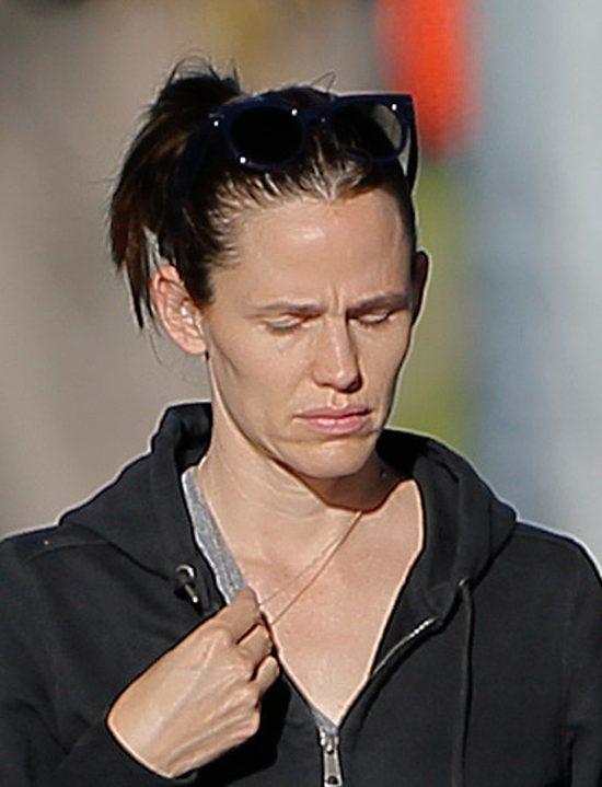 Jennifer Garner machnęła ręką na swój wygląd? (FOTO)