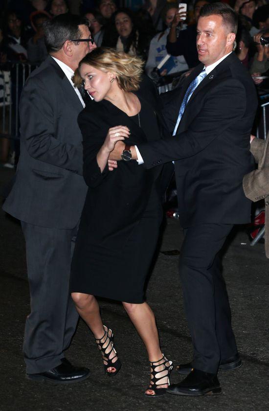 Jennifer Lawrence w obliczu niebezpieczeństwa (FOTO)