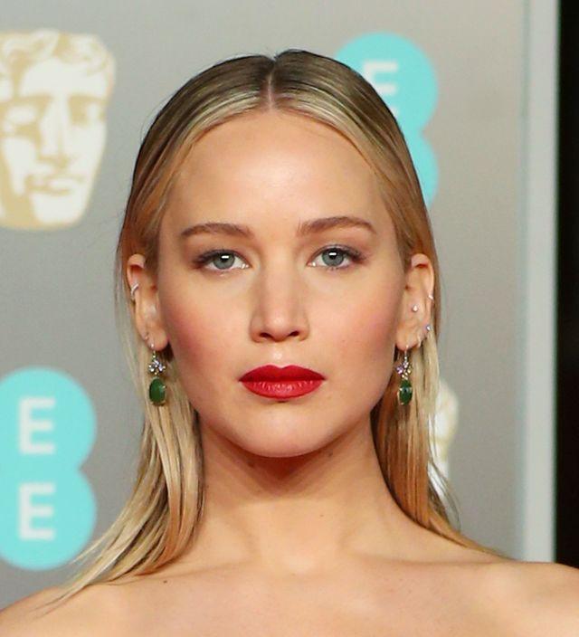 Angelina Jolie, Margot Robbie i Jennifer Lawrence w czerni na gali BAFTA (ZDJĘCI