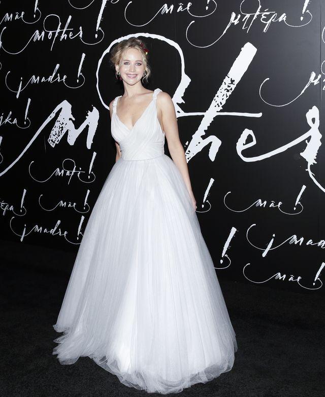 Czy tak Jennifer Lawrence będzie wyglądać jako PANNA MŁODA? (ZDJĘCIA)