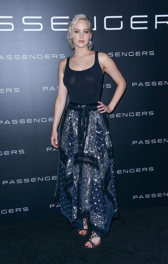 Co Jennifer Lawrence wyczynia na ściance?