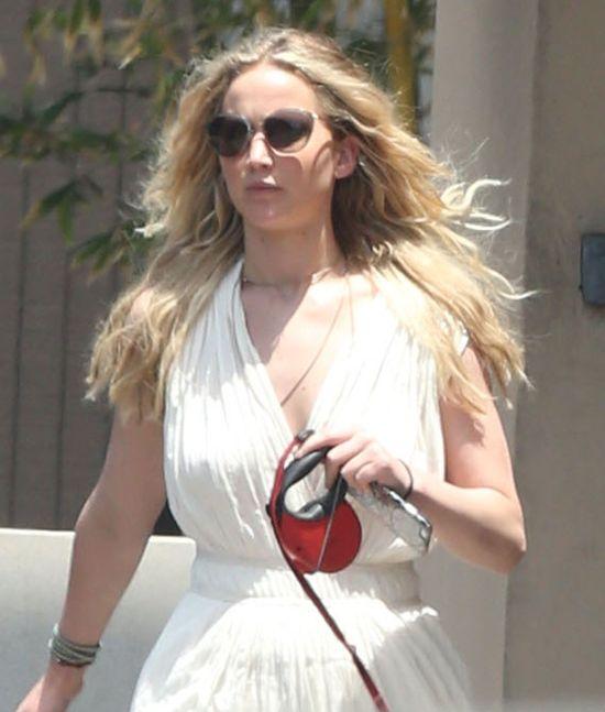 Jennifer Lawrence też przerzuciła się na perukę (FOTO)