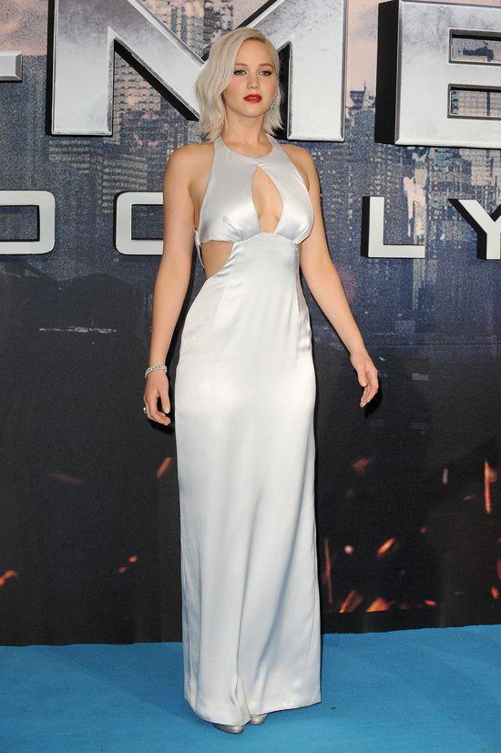 Jennifer Lawrence leci na czerwony dywanie - odc. 8272832732