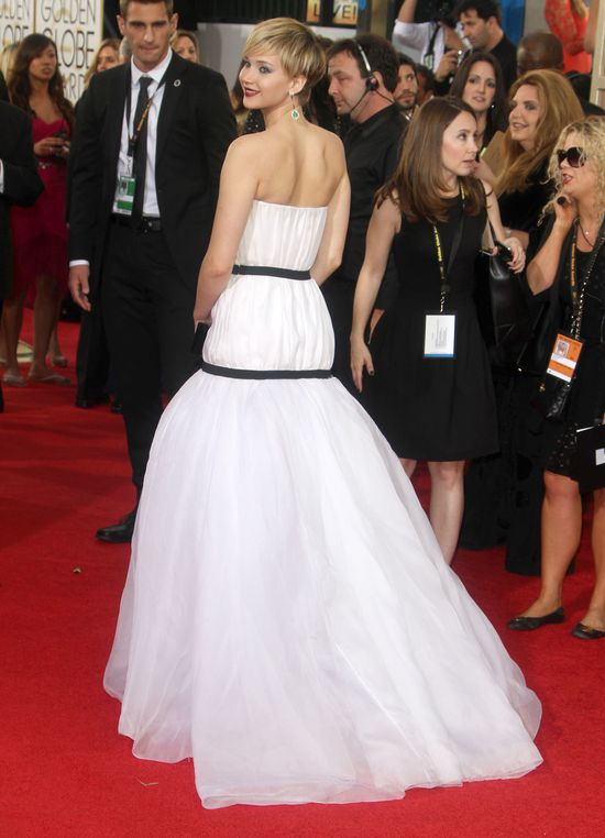 Oceniamy kreację Jennifer Lawrence (FOTO)