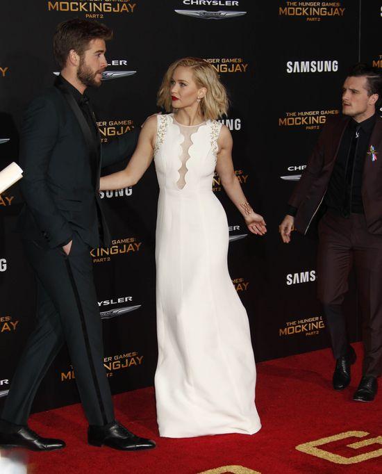 Jennifer Lawrence ca�owa�a si� z Liamem Hemsworthem?