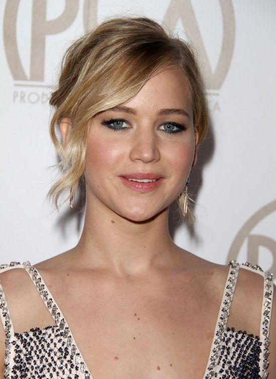 Jennifer Lawrence pr�buje by� dam� (FOTO)