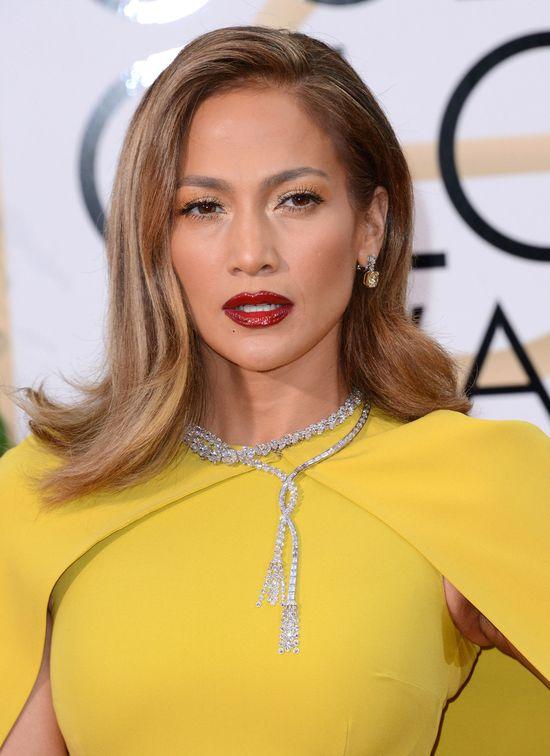 Jennifer Lopez - w ko�cu obesz�o si� bez wpadki! (FOTO)