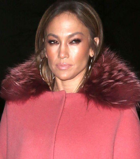 Jennifer Lopez zoperowała się tak, że wygląda teraz jak Melania Trump?