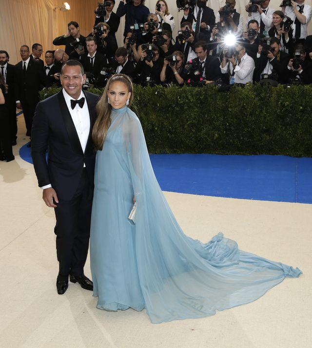 Szukajcie na palcu Jennifer Lopez pierścionka zaręczynowego!