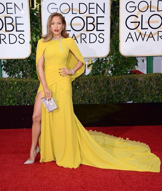 Jennifer Lopez powiększyła piersi! (FOTO)