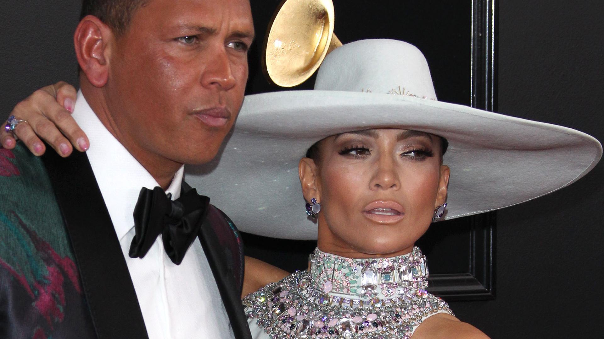 Jennifer Lopez jedną z NAJGORZEJ ubranych na GRAMMY 2019? (ZDJĘCIA)
