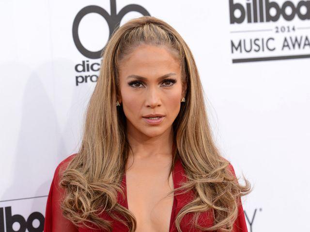 Jennifer Lopez czuje, �e si� skompromitowa�a?
