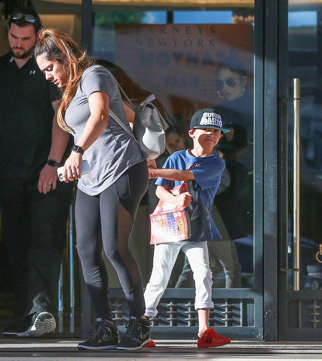 Jennifer Lopez z Emmą i Maxem na zakupach (ZDJĘCIA)